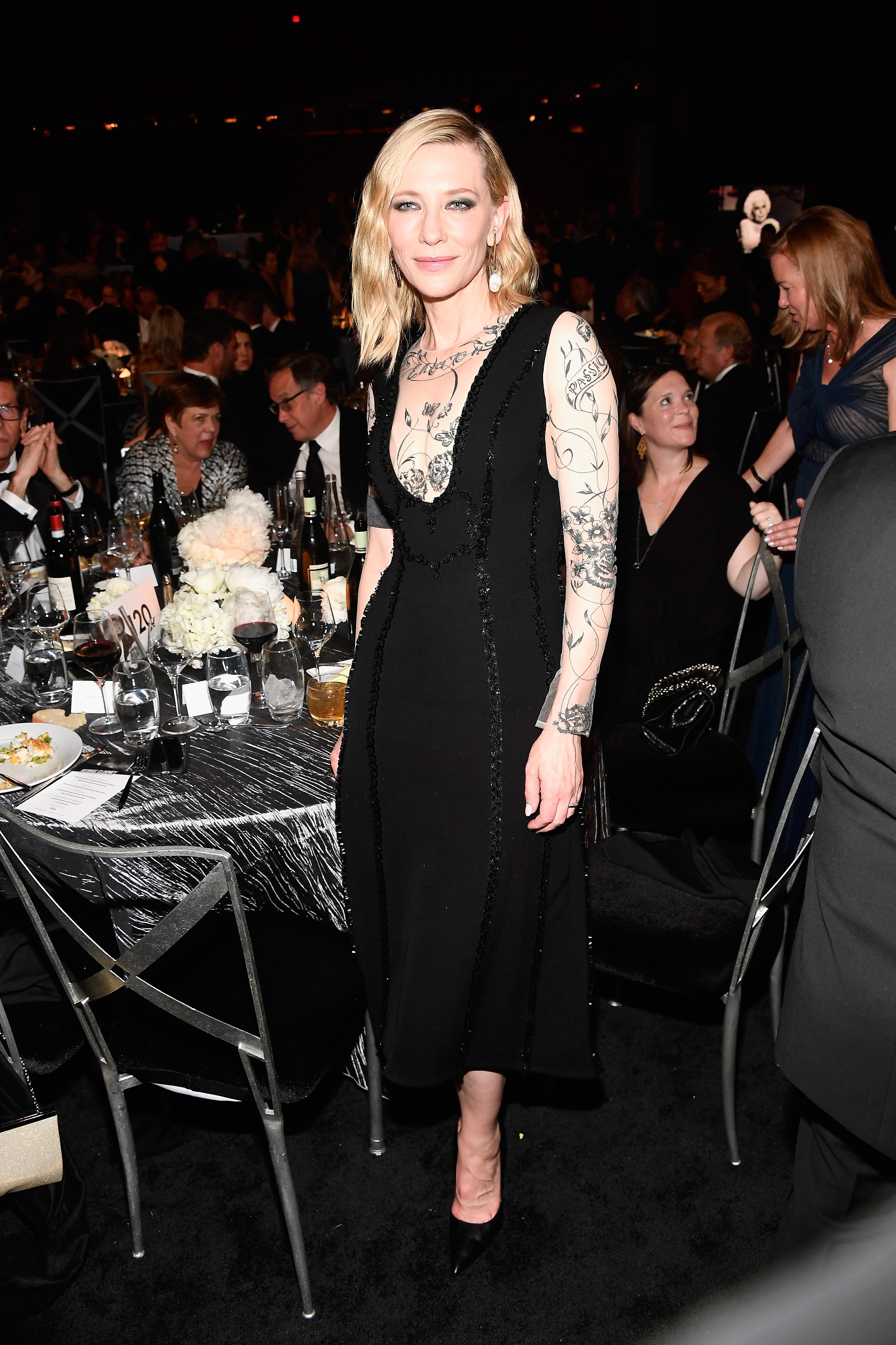 Тази година тя отново облече същата рокля за друго светско събитие.
