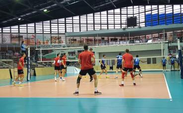 Волейболните национали в София с успех над Иран