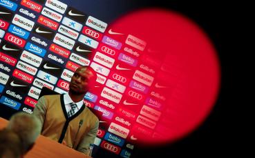 Барселона официално представи Ерик Абидал