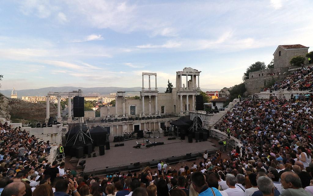 Хиляди на концерта на Стинг и Шаги на Античния театър в Пловдив