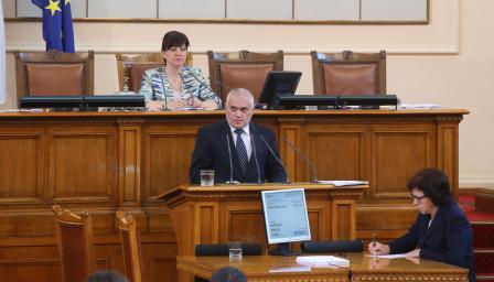 Избягалият затворник скара депутати, Радев отговори