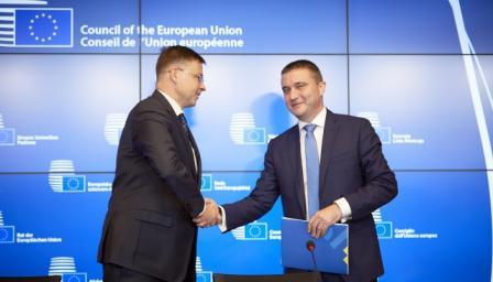 Подготвят въвеждането на общоевропейски пенсии