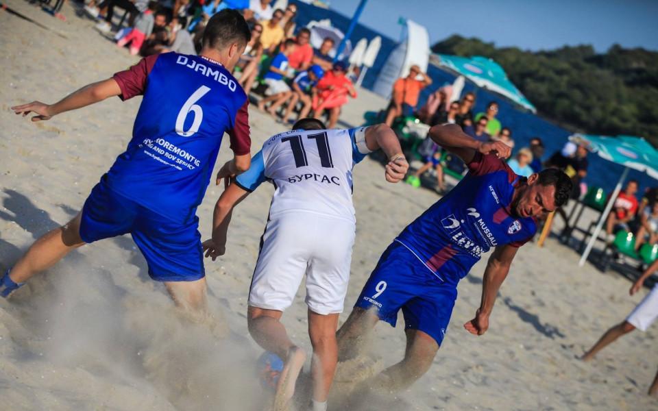 7 отбора ще се борят на Държавното по плажен футбол