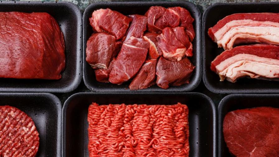 Русия временно забрани вноса на свинско месо от България