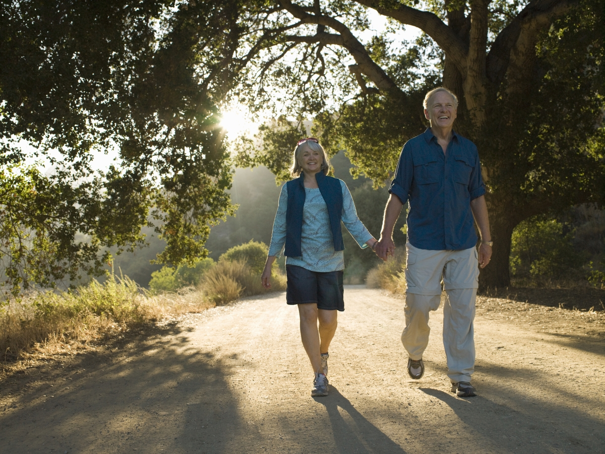 Разходките сред природата забавят процеса на стареене.