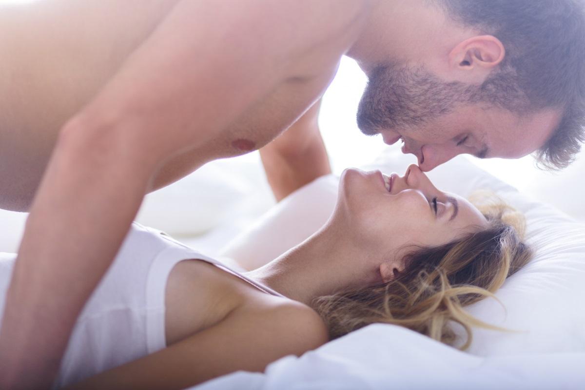 """""""Това не се е случвало преди"""". Ако половинката ви не получи ерекция, но ви каже, че се случва за първи път... то най-вероятно ви лъже. Няма нищо срамно в това, стига да се случва рядко. Ако това е първата ви среща, той най-вероятно се притеснява много, защото иска да ви впечатли."""