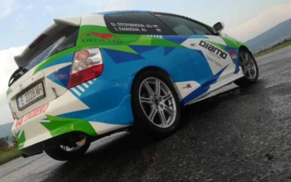 Дамският екипаж Диана Стоянова/Иванела Иванова с нов автомобил