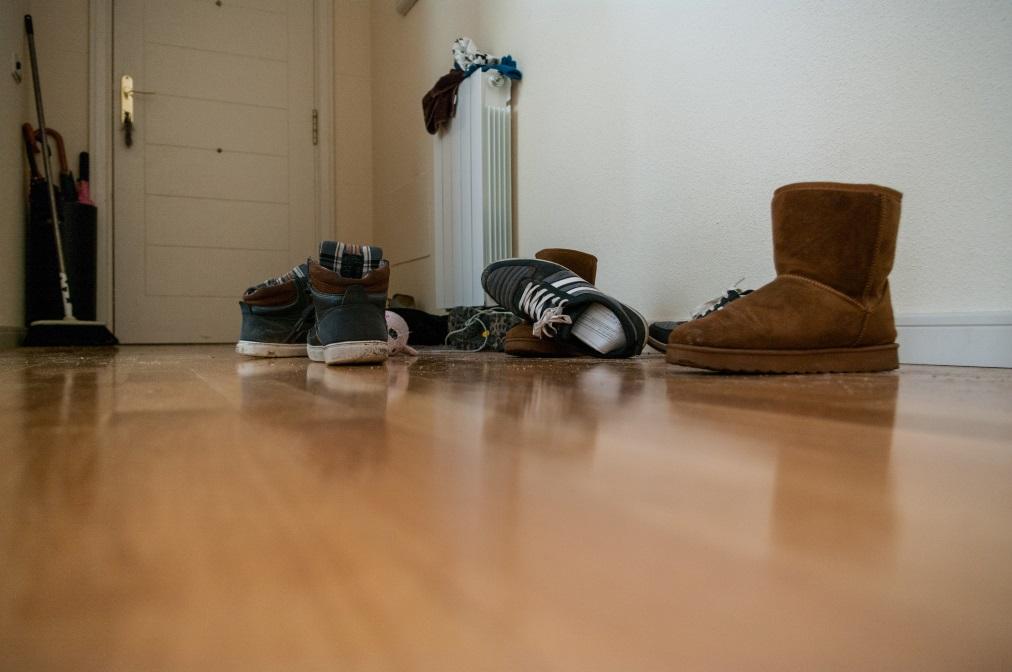 Къде държите обувките си вкъщи.