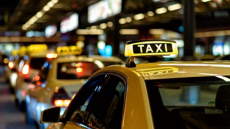 Таксиметров шофьор с отнета книжка помете 9 коли