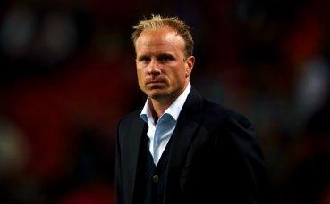 Бергкамп посочи защо Арсенал е тръгнал надолу при Венгер