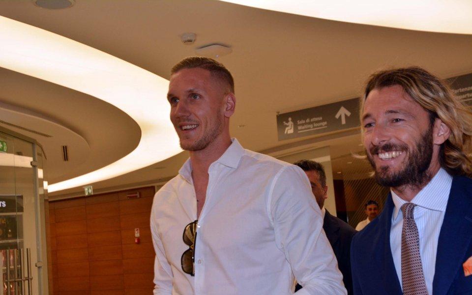 Олсен пристигна в Италия, за да подпише с Рома