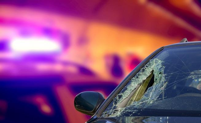 15-годишна седна зад волана и катастрофира
