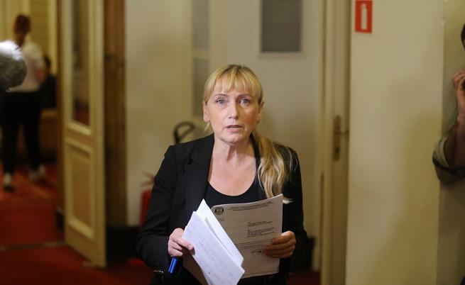 Знаела ли е Йончева, че парите са източени от КТБ?