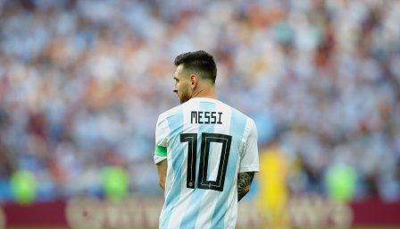 Черно на бяло: Аржентина без Меси за две контроли