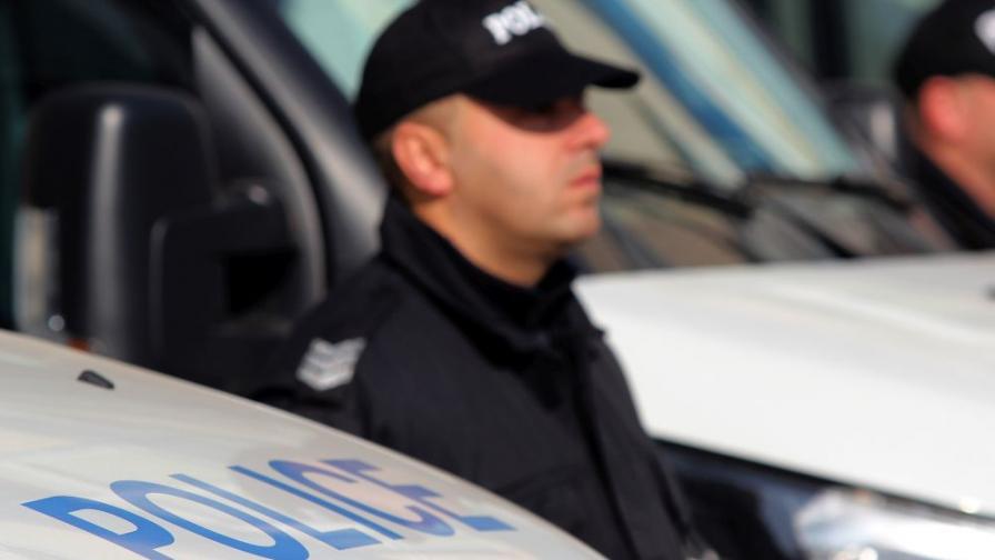 Полицай пострада при акция в ромската махала на Хасково