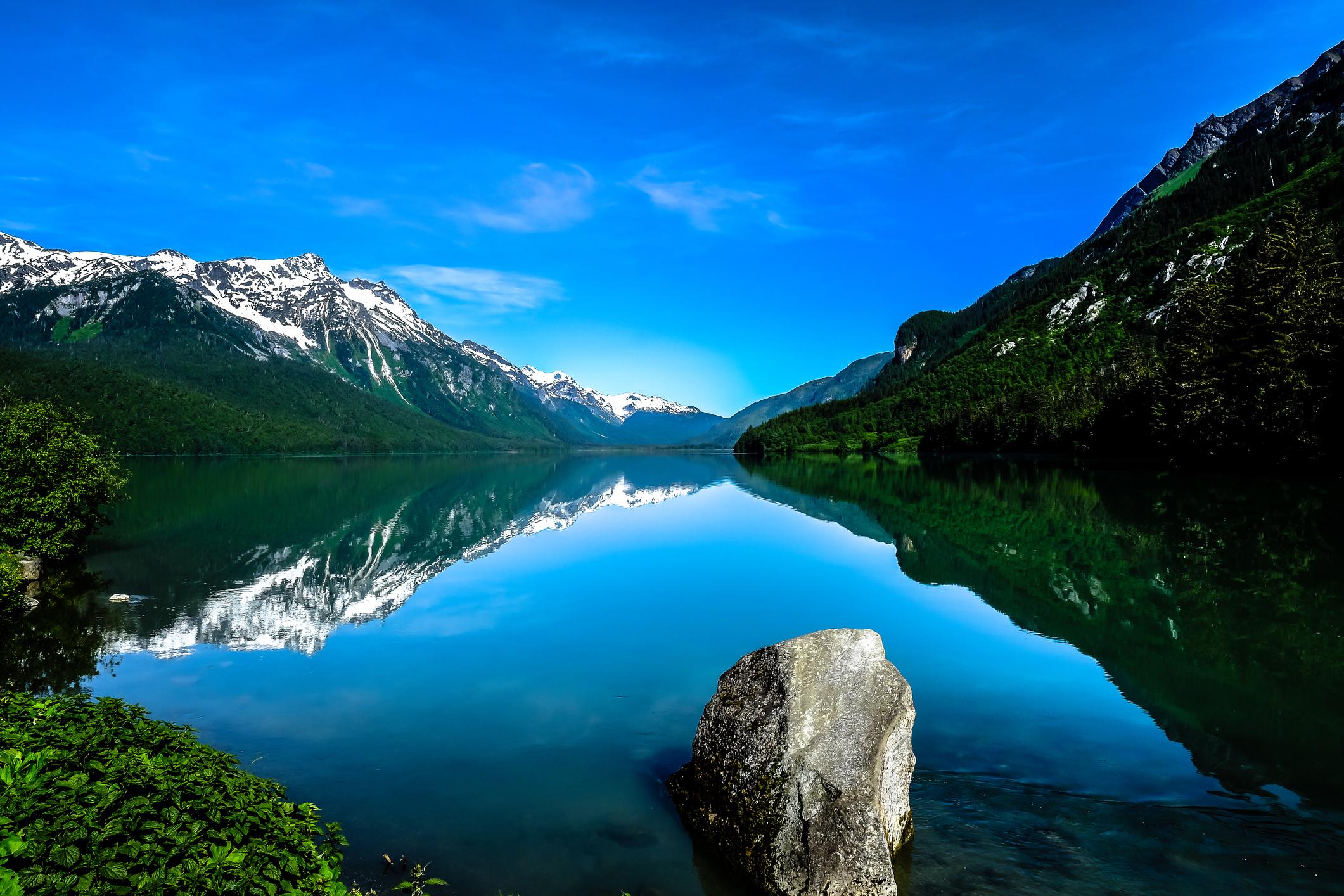 Хобарт, Аляска - население 1 човек. Ако търсите самостоятелност и приказни гледка, заливът е точното място за вас.