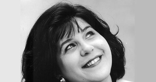 Българката Мариана Карпатова е оперна певица мецо сопран и вокален
