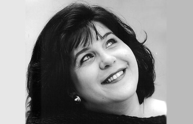 Мариана Карпатова е оперна певица мецо сопран и вокален педагог, която години наред показва невероятния си талант на американската оперна сцена.