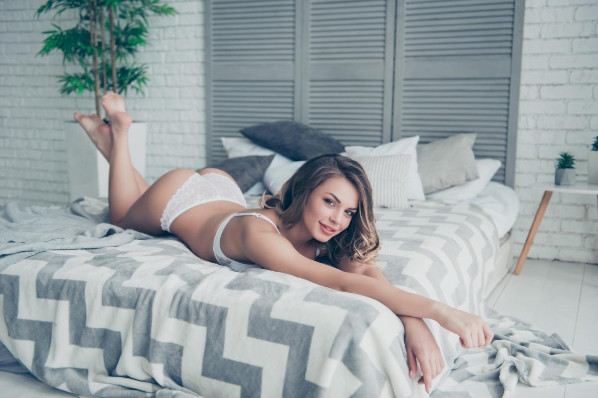 """Мързеланката<br /> <br /> Поза """"морска звезда, просната на пясъка"""" е патентът на този тип жени, а на партньора им ще са му нужни доста усилия, докато успее да изтръгне стон от тях. По време на секс тези дами са непоклатими и в прекия, и в преносния смисъл."""