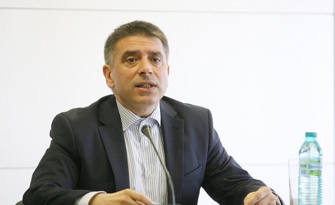 Правосъдният министър уволнява шефа на затворите