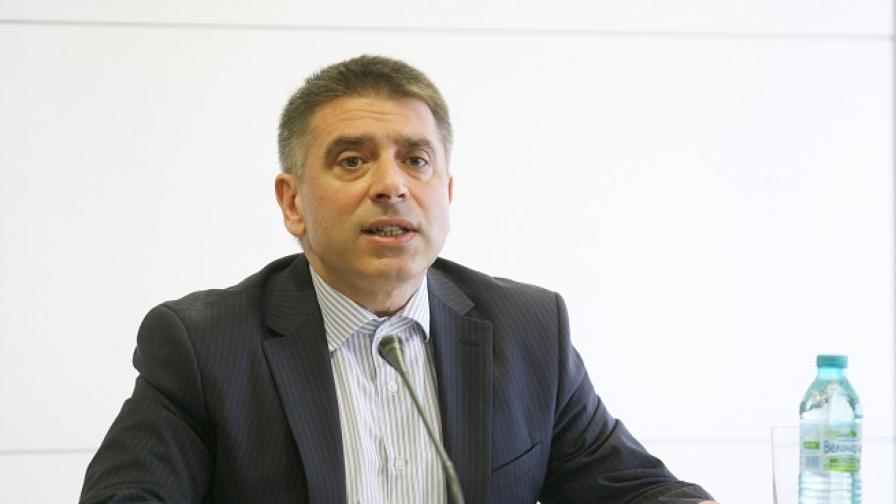 <p>След жалба на Банева, министърът уволнява шефа на затворите</p>