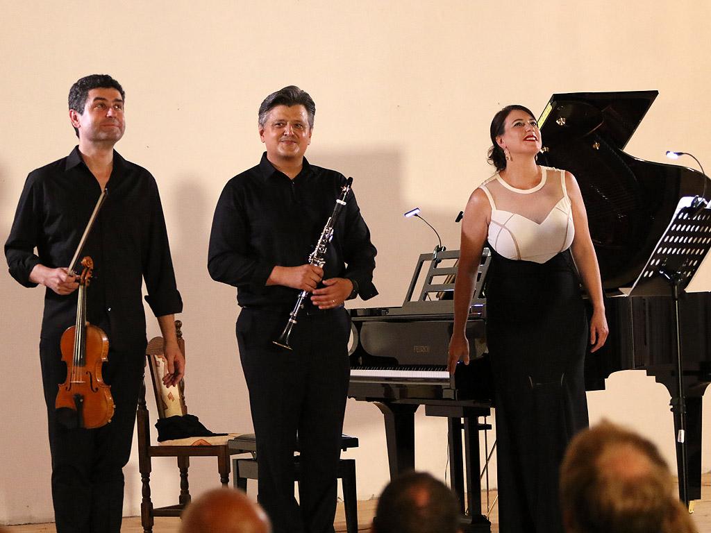 Георги Вълчев, цигулка / Вангел Тангъров, кларинет / Екатерина Тангърова, пиано