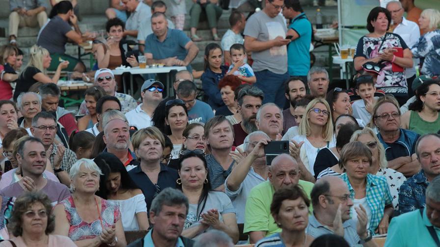 Как Банско успя да привлече хиляди туристи и през лятото (ВИДЕО)
