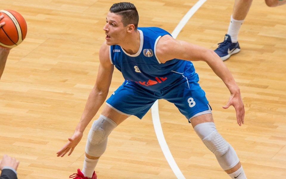 Берое взе Николай Стоянов