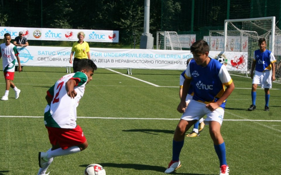 България е на 1/2-финал за Купа SATUC