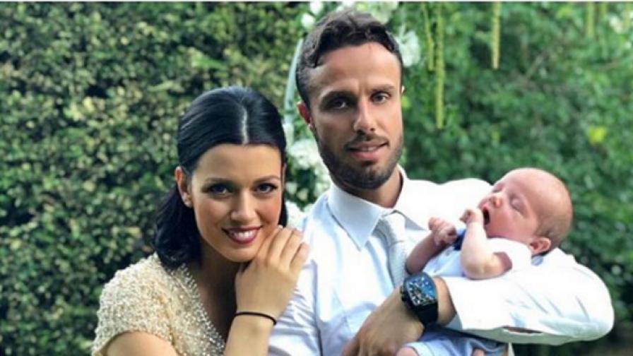 Ралица Паскалева, Салпаров и малкото им бебче на сватба