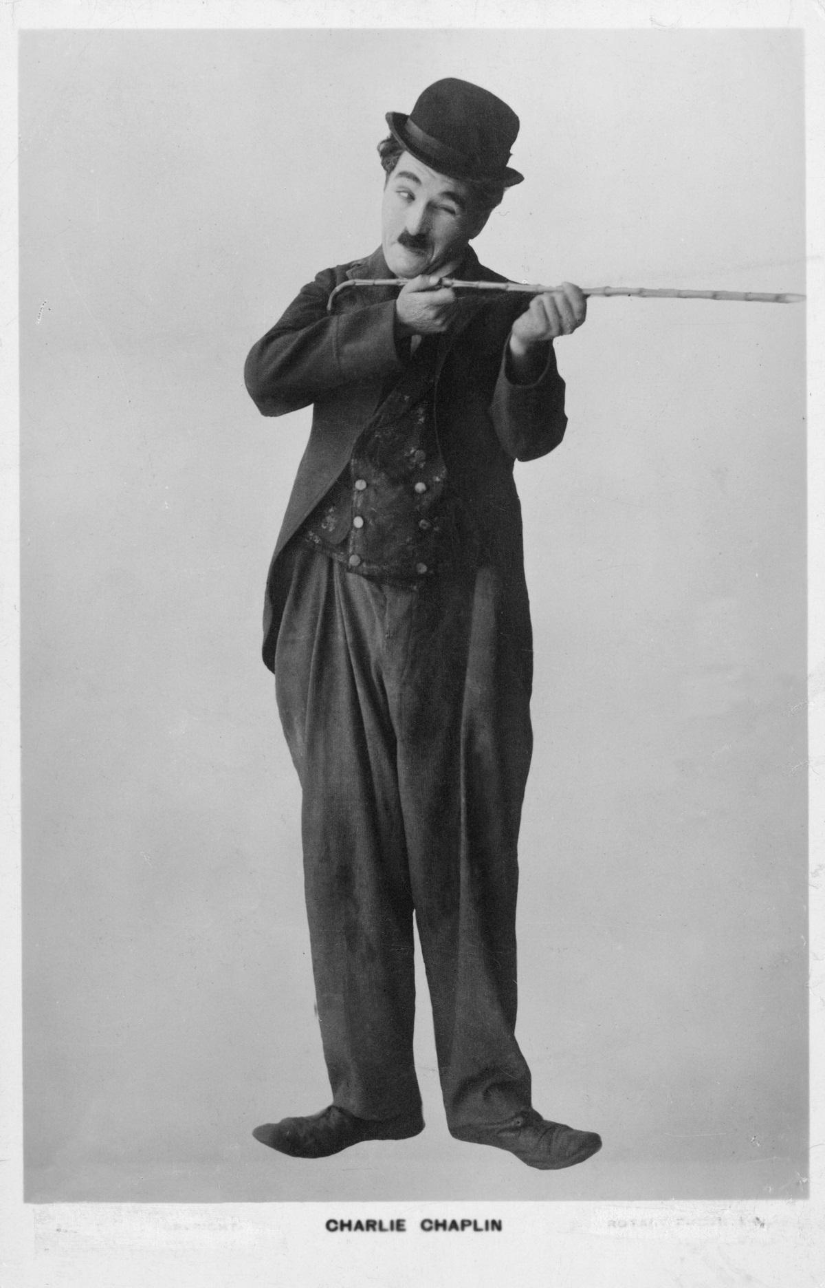 """""""Че кой иска да слуша актьорите да говорят"""".<br /> <br /> Х. М. Уорнър, съ-основател на Warner Brothers.<br /> <br /> 1927 г."""