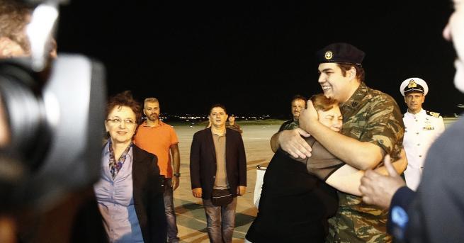 Турски съд разпореди освобождаването на двама гръцки войници, задържани през