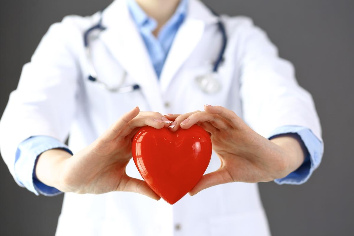 Сърцето ви ще заработи по-добре. Според изследване на Американската кардиологична асоциация редовната употреба на алкохол води до натрупване на плака в артериите, която може да причини проблеми със сърдечната дейност.