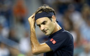 Вавринка затрудни Федерер, но Маестрото е на полуфинал