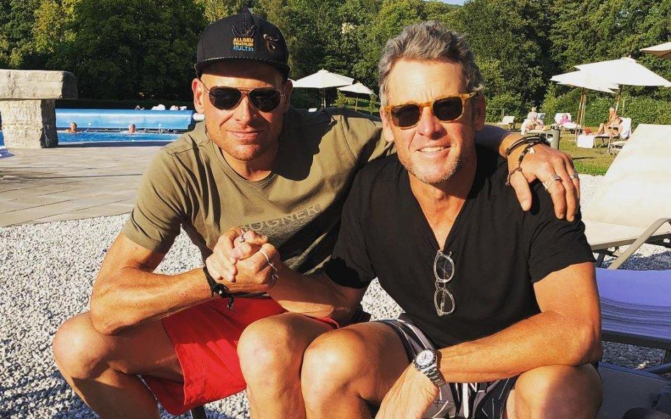 Армстронг посети Улрих и призова: Подкрепете го