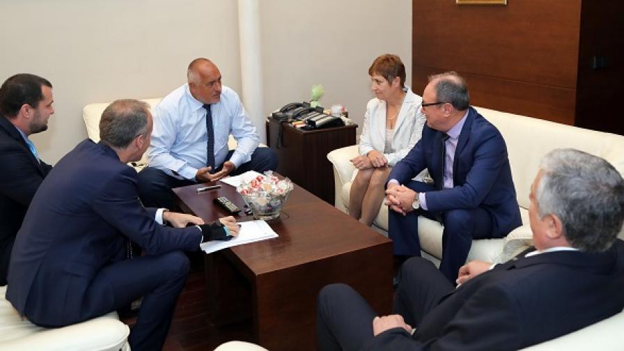 Образователният министър: Две възможности за изход от кризата има пред НИМХ