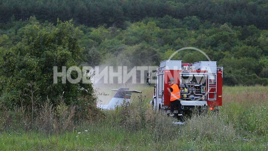 Самолет катастрофира край Шумен, двама пострадали