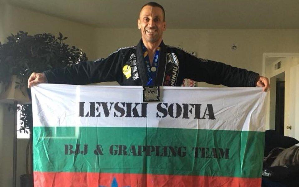 Константин Николов след среброто в Лас Вегас: Повече от доволен съм