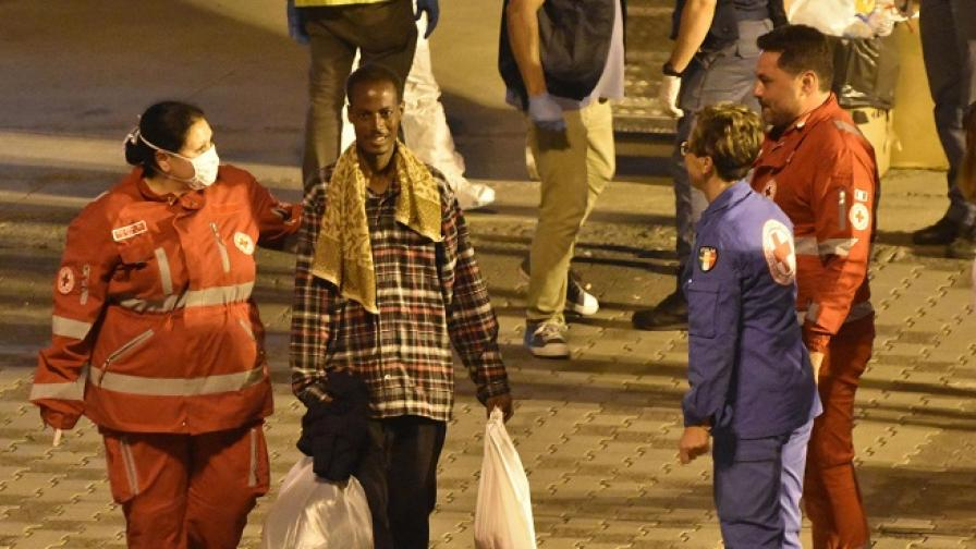 19 мигранти загинаха при катастрофа в Турция