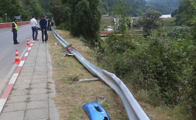 Катастрофата край Своге: ранени остават с опасност за живота