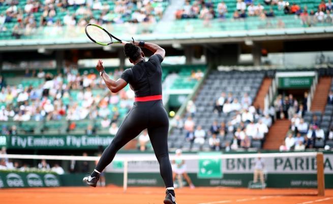 Костюмът, който разгневи френския тенис (СНИМКИ)