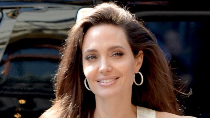 Стилът на Джоли след раздялата с Брад. Как се промени