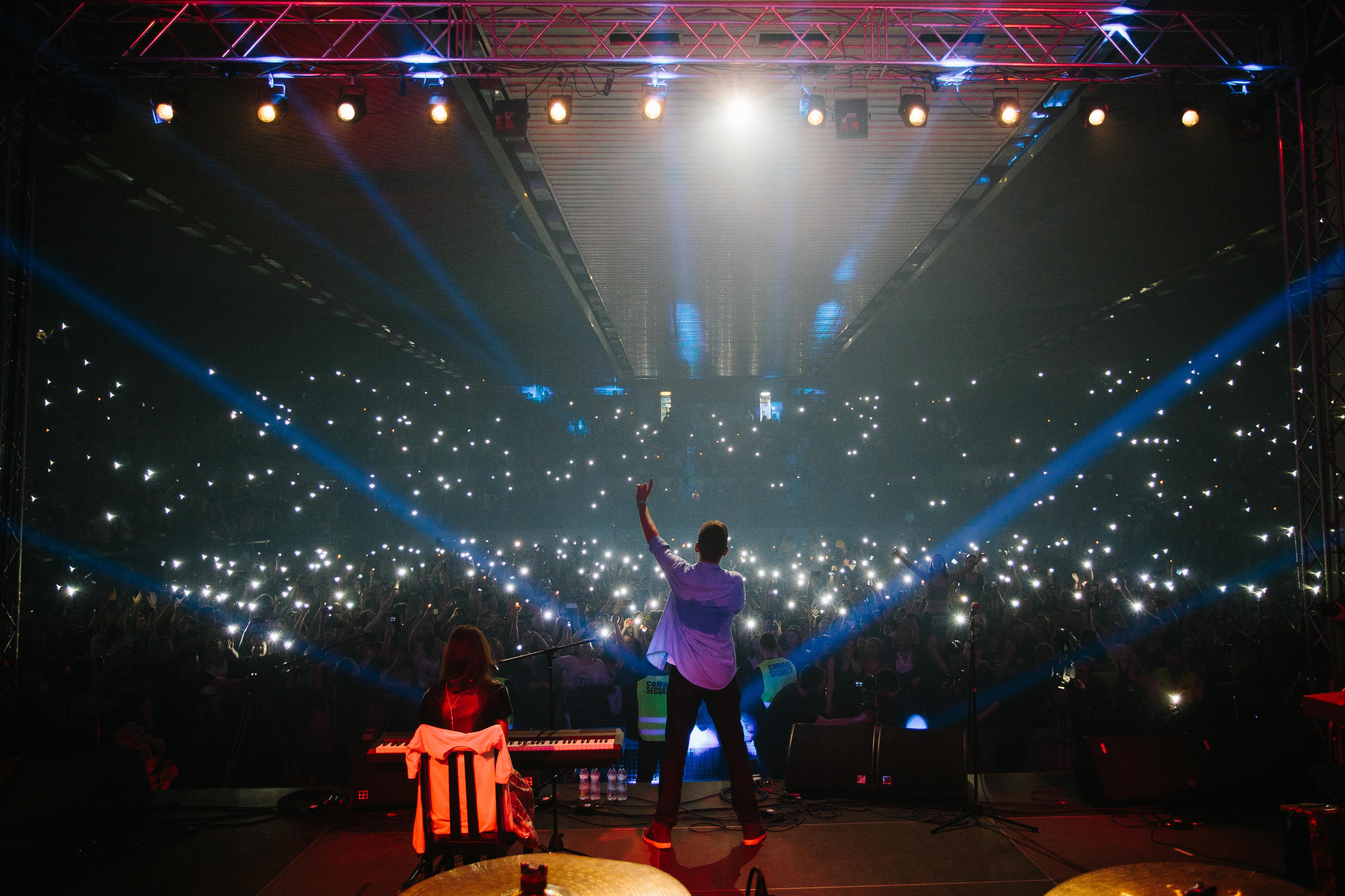 Те са сред най-актуалните групи на Балканите и не само, които събират и радват хиляди фенове на концертите си на живо.