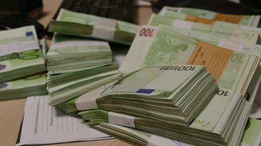 Колко тежат подкупите, натрупани от полковник от ФСБ