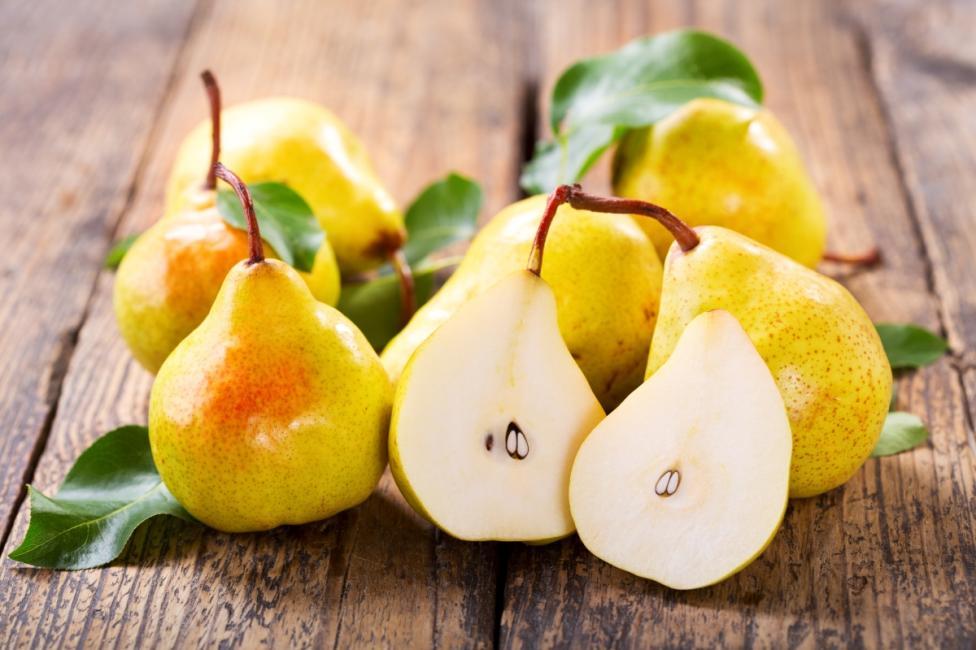 - Круши: те са богат източник на витамини,С и К. Витамин К помага за образуването на редица протеини, полезни за организма.