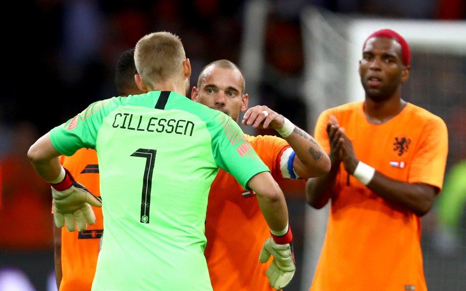 Холандия обърна Перу в последния мач на Снайдер