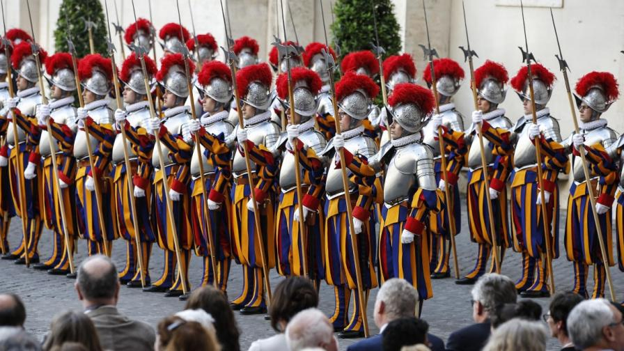 Швейцарските гвардейци на Ватикана