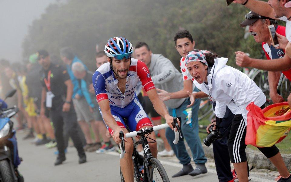 Тибо Пино с мощен спринт спечели 15-ия етап от Вуелтата