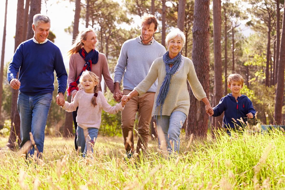Научавате семейството си да цени и уважава партньора ви повече. В крайна сметка - доказано е, че това е човекът, с когото искате да прекарате времето си.