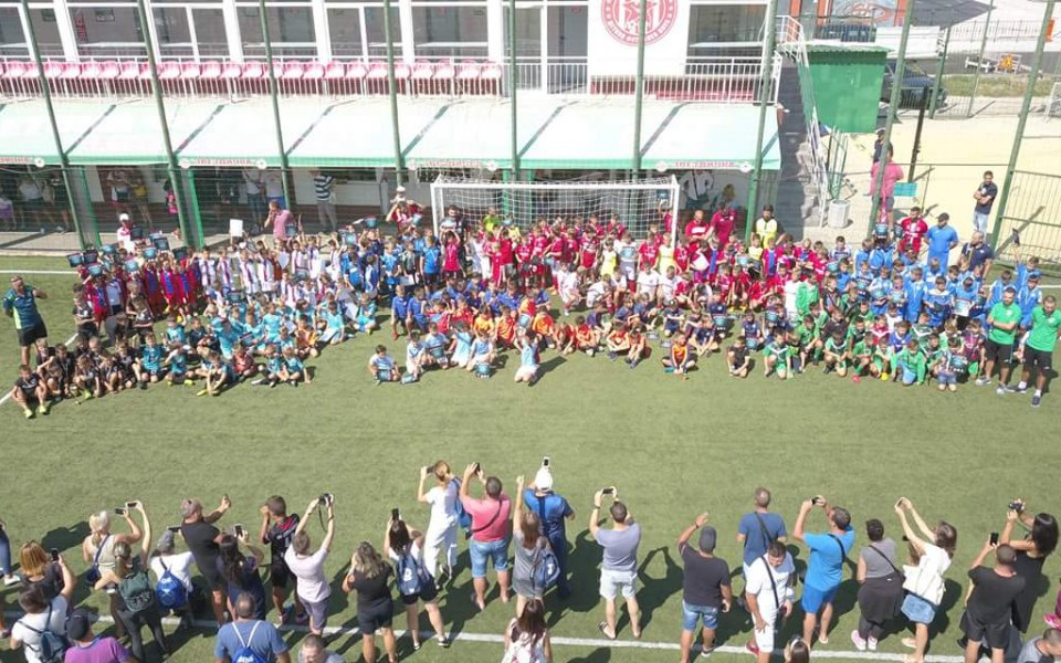 Национален футболен турнир по учебник в Бургас